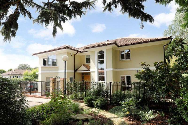 5 Bedrooms Detached House for sale in High Cedar Drive, Wimbledon, SW20