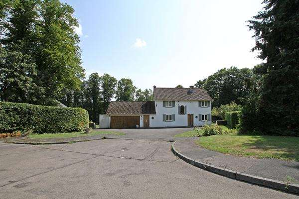 3 Bedrooms Detached House for sale in Beechwood Drive , MARLOW, SL7