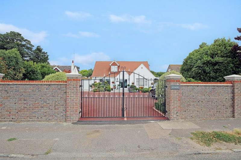 5 Bedrooms Detached House for sale in West Street, Sompting, Lancing