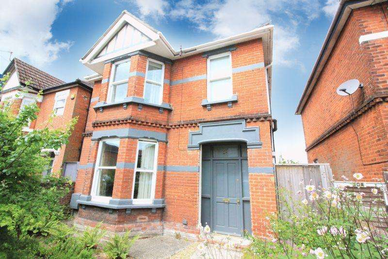 3 Bedrooms Detached House for sale in St. Catherines Road