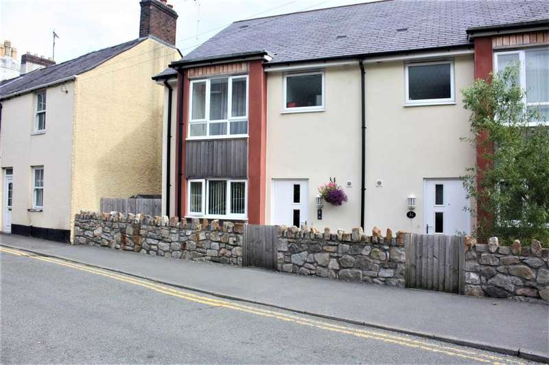 3 Bedrooms Semi Detached House for sale in Garth Road, Bangor