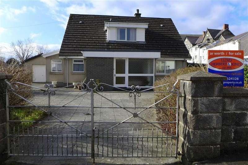 3 Bedrooms Bungalow for sale in Chapel Street, Tregaron, Ceredigion, SY25