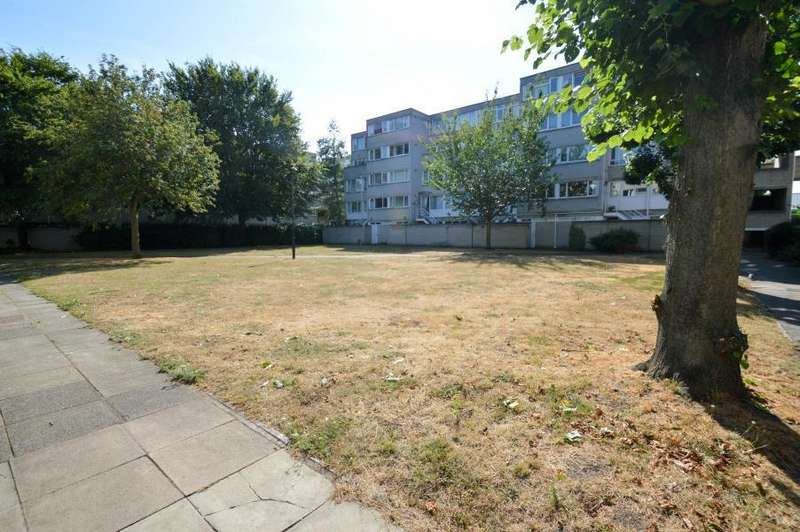 2 Bedrooms Apartment Flat for sale in Cambridge House, Ward Royal, Windsor
