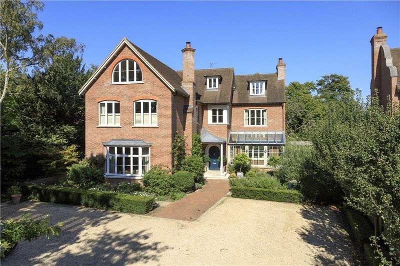 6 Bedrooms House for sale in Warren Road, Coombe Hill, KT2