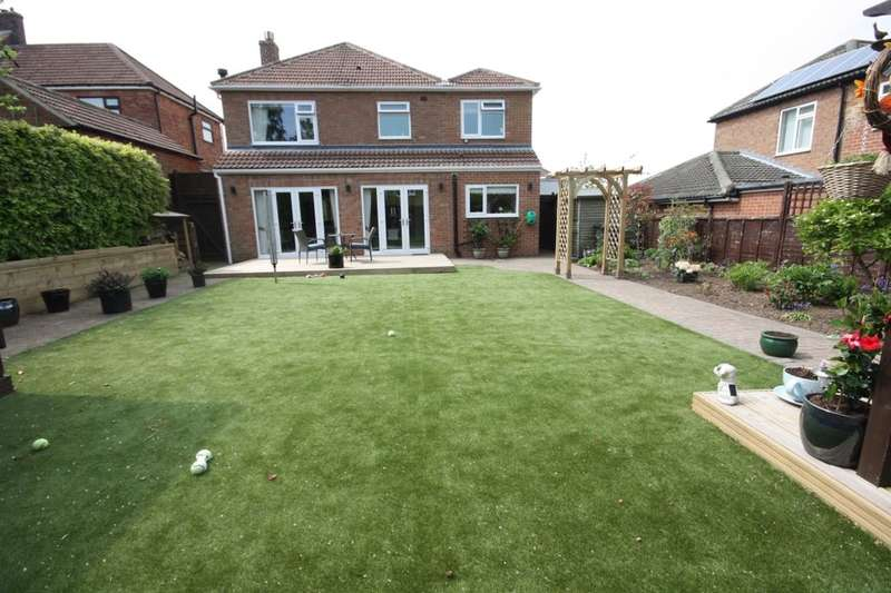 4 Bedrooms Detached House for sale in Thames Avenue, Guisborough, TS14