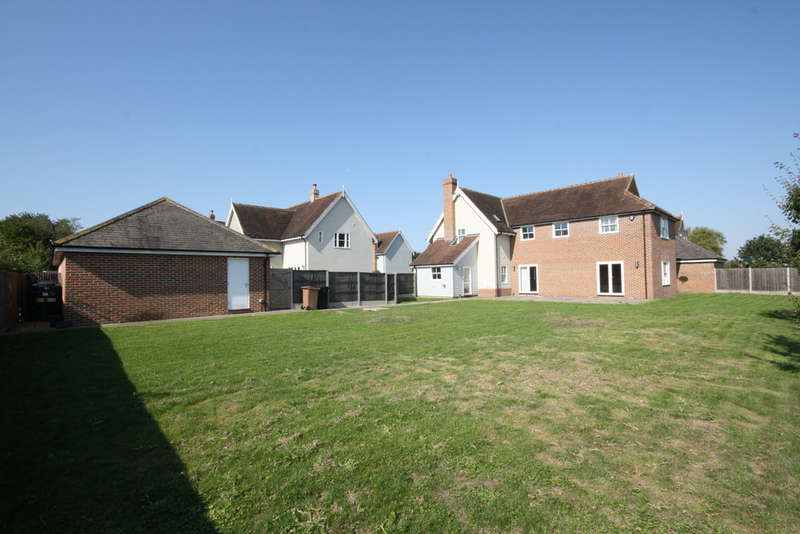 4 Bedrooms Detached House for sale in The Paddocks, Rettendon Common