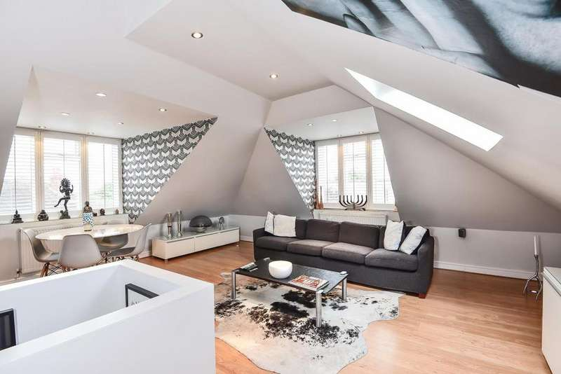 2 Bedrooms Maisonette Flat for sale in Canterbury Grove, West Norwood
