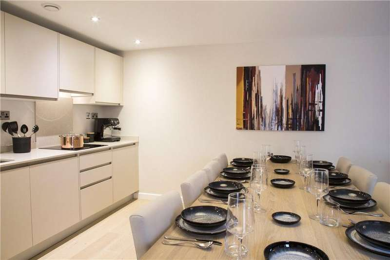 3 Bedrooms Flat for sale in Redcliffe Parade West, Bristol, Somerset, BS1