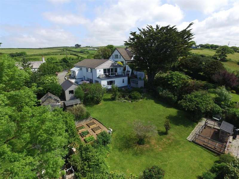4 Bedrooms Detached House for sale in Diddies, Bude