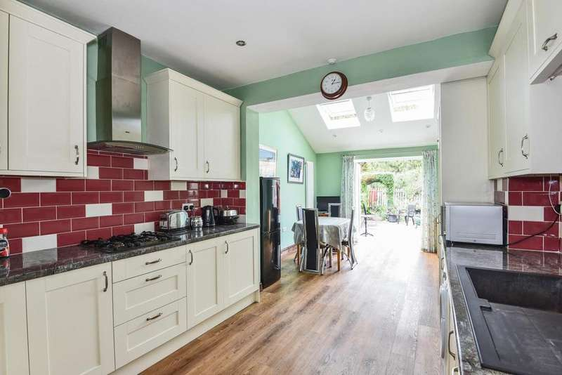 3 Bedrooms Semi Detached House for sale in Brockley View, Forest Hill