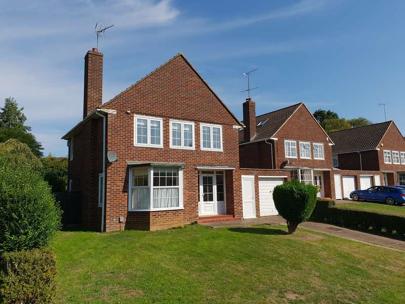 3 Bedrooms Detached House for sale in Beehive Green, Welwyn Garden City, AL7