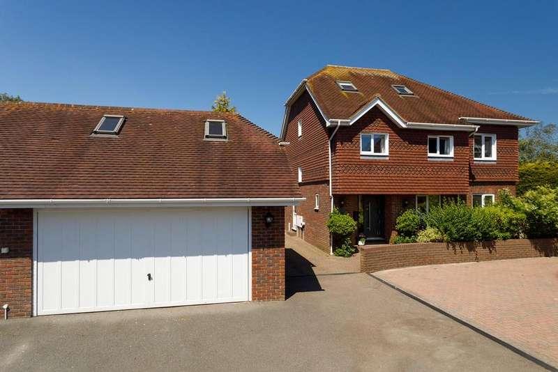 6 Bedrooms Detached House for sale in Mill Lane, Hawkinge, Folkestone, CT18