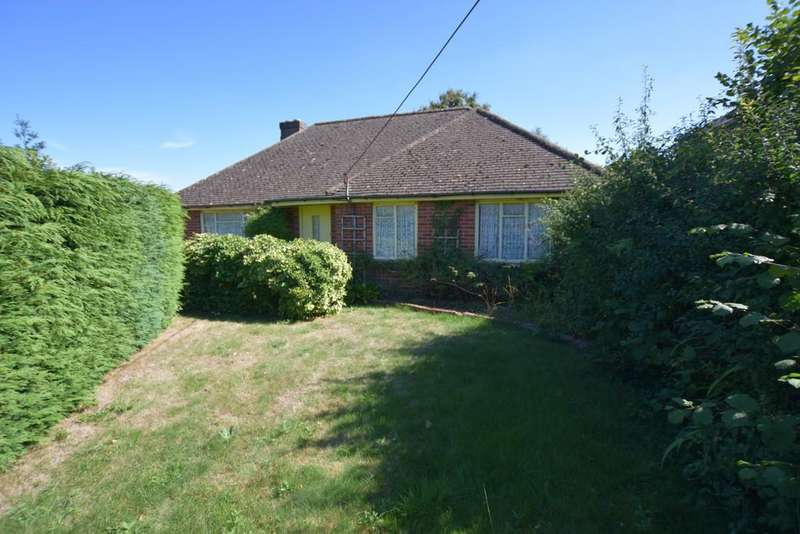 3 Bedrooms Detached Bungalow for sale in White Lane, Ash Green
