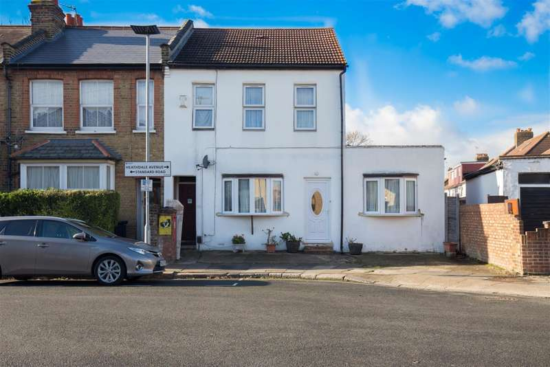 4 Bedrooms End Of Terrace House for sale in Standard Road, Hounslow, London, TW4 7AY