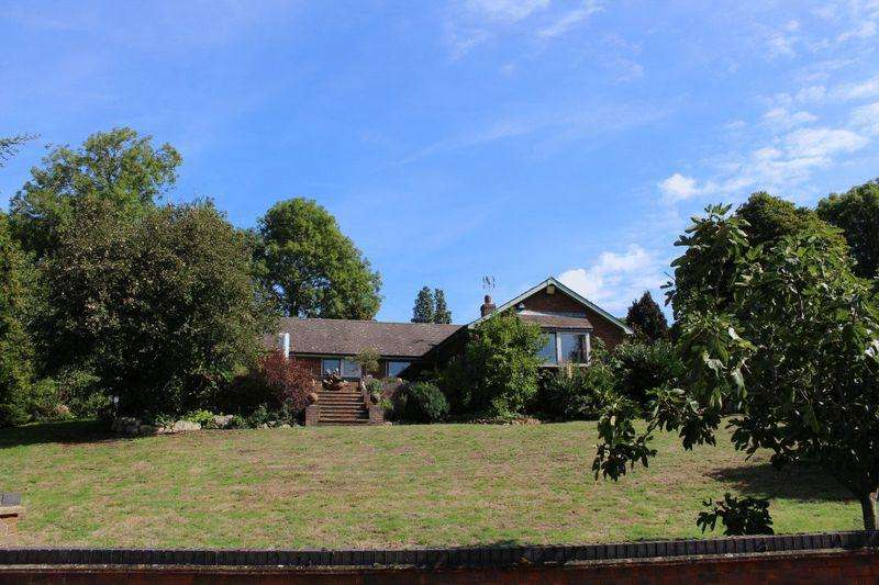 4 Bedrooms House for sale in Hunton Hill, Maidstone
