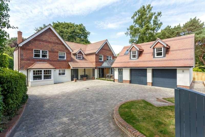5 Bedrooms Detached House for sale in Upper Golf Links Road, Broadstone, Dorset, BH18