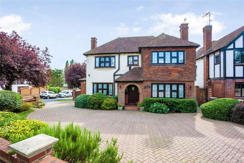 5 Bedrooms Detached House for sale in Vicarage Lane, Chigwell, Essex, IG7