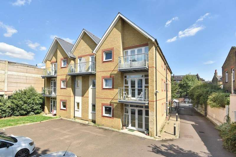 2 Bedrooms Flat for sale in Gordon Road, Nunhead