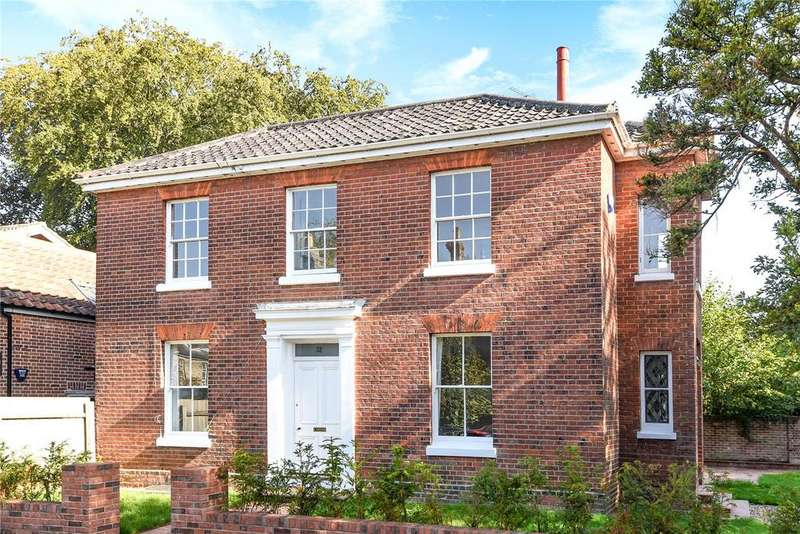 4 Bedrooms Detached House for sale in Trory Street, Norwich