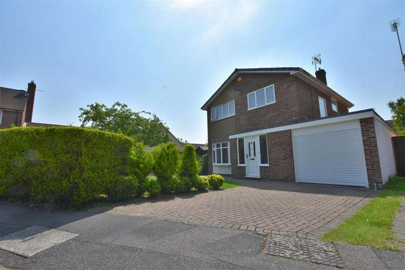 4 Bedrooms Detached House for sale in Fenn Close, South Woodham Ferrers, Chelmsford