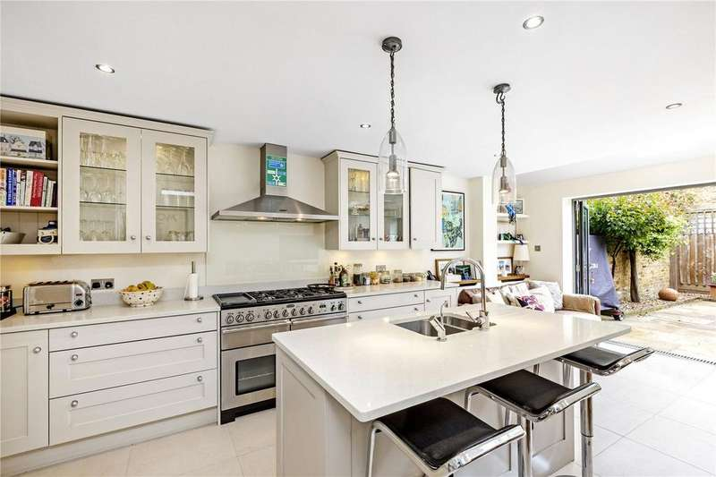 5 Bedrooms Terraced House for sale in Jessica Road, London, SW18