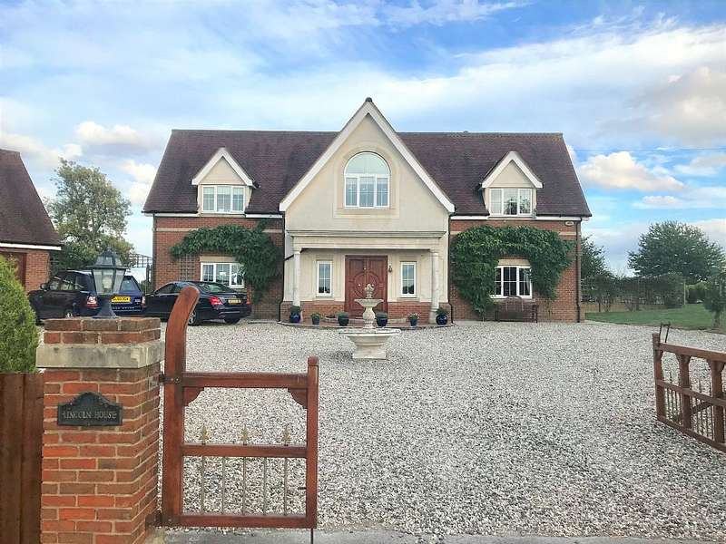 5 Bedrooms Detached House for sale in House, Dunmow Road, High Roding, Dunmow, Essex, CM6 1NL
