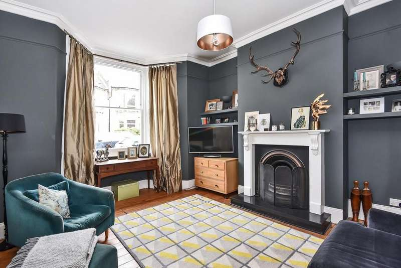 3 Bedrooms Terraced House for sale in Knighton Park Road, Sydenham