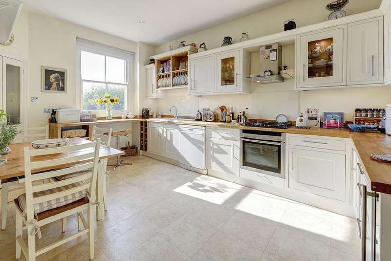 4 Bedrooms Flat for sale in Sandwell Mansions, West Hampstead