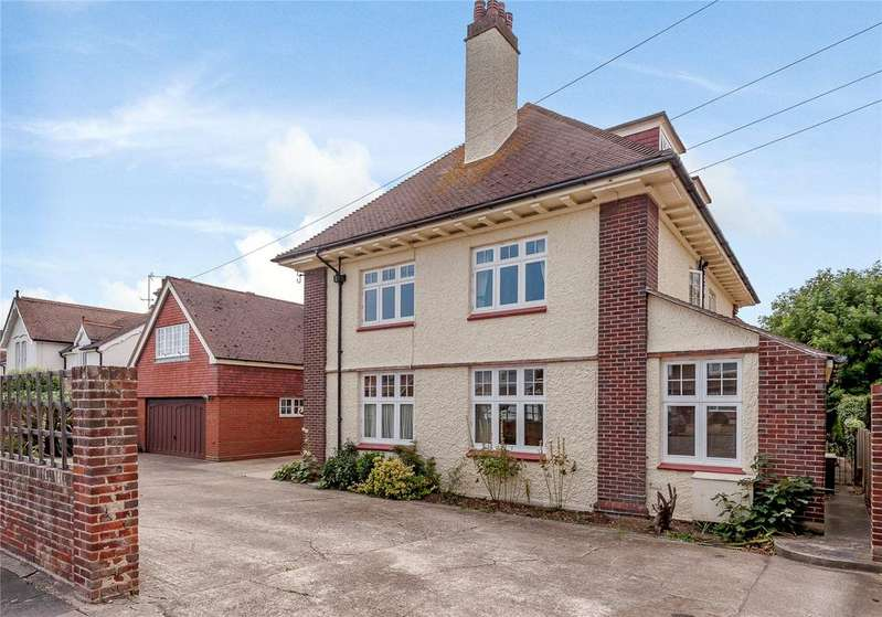 6 Bedrooms Detached House for sale in Fourth Avenue, Frinton-on-Sea, Essex, CO13