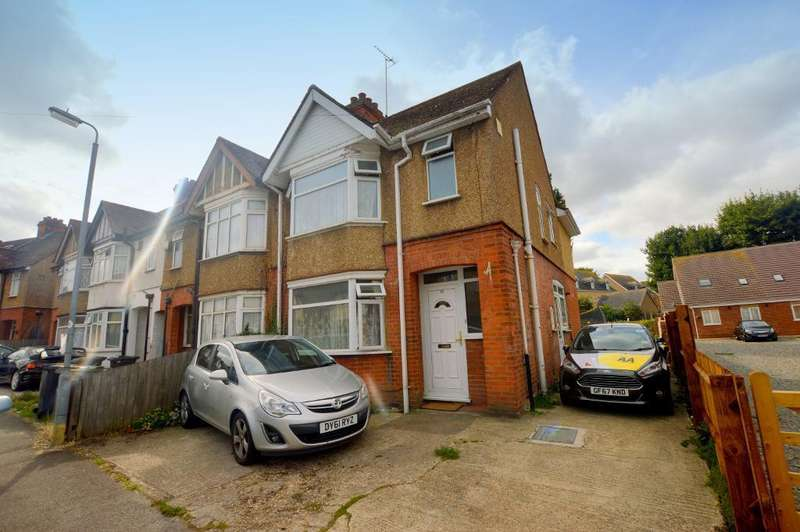 4 Bedrooms End Of Terrace House for sale in Chester Avenue, Luton, Bedfordshire, LU4 9SF