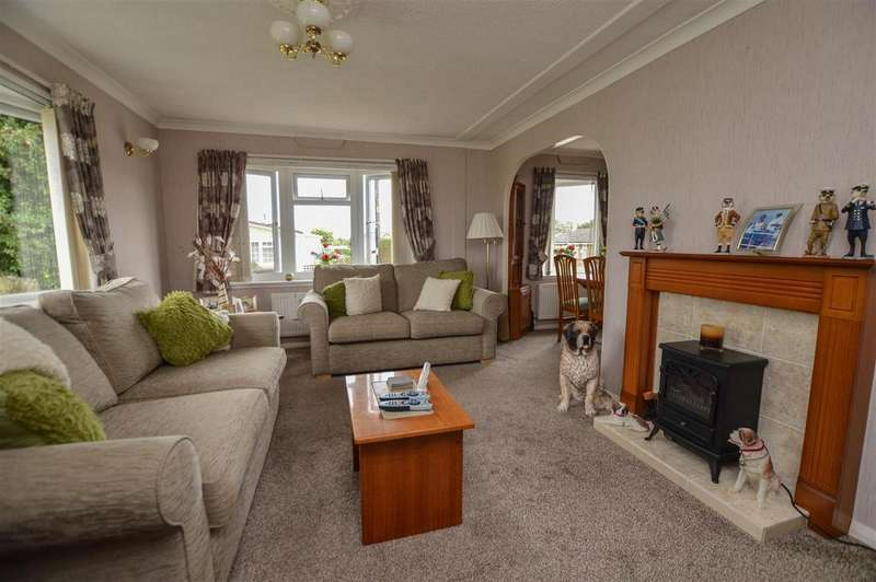 2 Bedrooms Park Home Mobile Home for sale in Half Moon Lane, Pepperstock, Luton