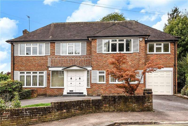 4 Bedrooms Detached House for sale in Sackville Close, Harrow, Middlesex, HA2