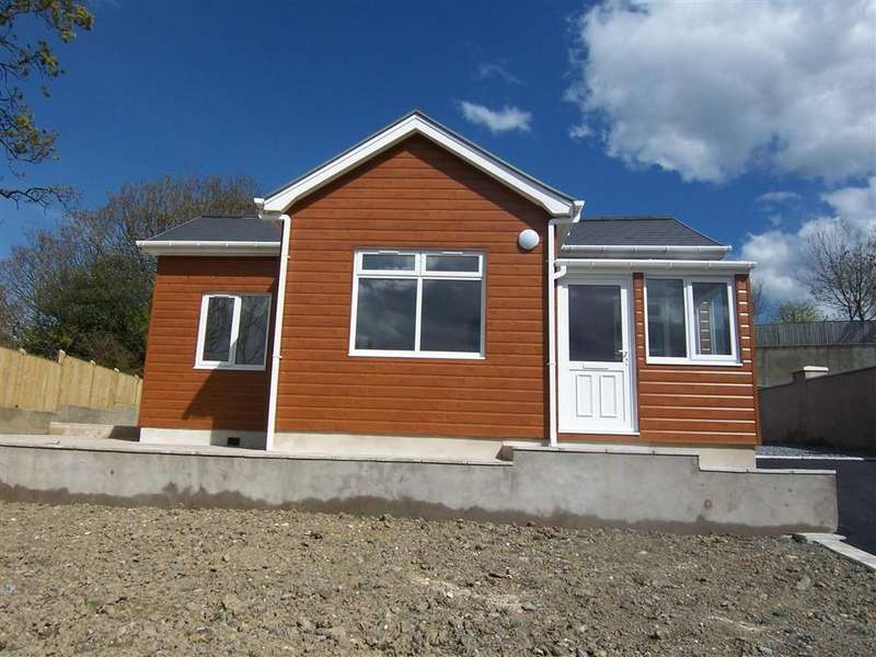 2 Bedrooms Bungalow for sale in Llanon, Ceredigion, SY23