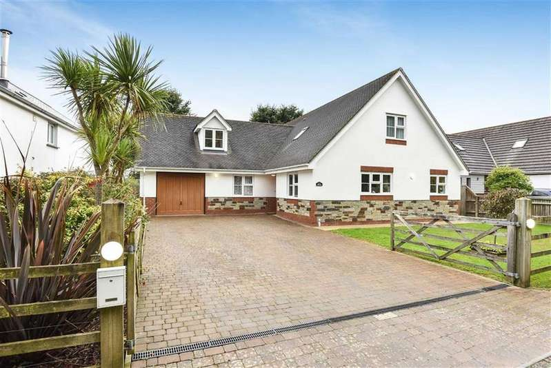 5 Bedrooms Detached House for sale in Cleavelands, Bude, Cornwall, EX23