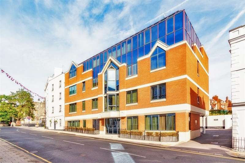 2 Bedrooms Flat for sale in Sceptre Gate 3-9, Sheet Street, Windsor, Berkshire