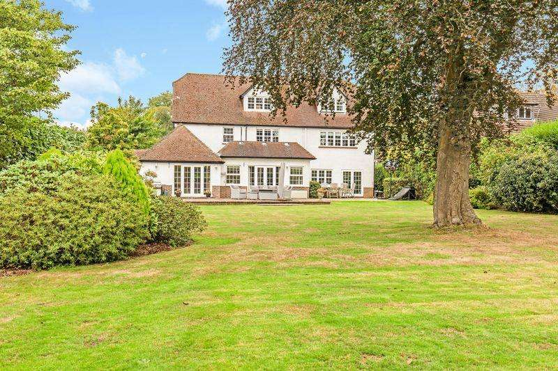 6 Bedrooms Detached House for sale in Ridley Road, Warlingham