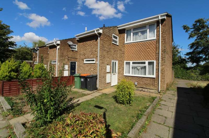 3 Bedrooms Semi Detached House for sale in Greenfield Close, Dunstable
