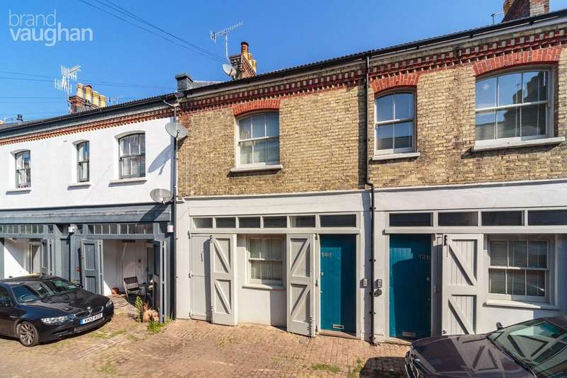 3 Bedrooms Terraced House for sale in Cambridge Grove, Hove, BN3