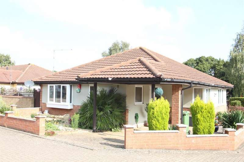 3 Bedrooms Semi Detached Bungalow for sale in Sokeman Close, Greenleys, Milton Keynes