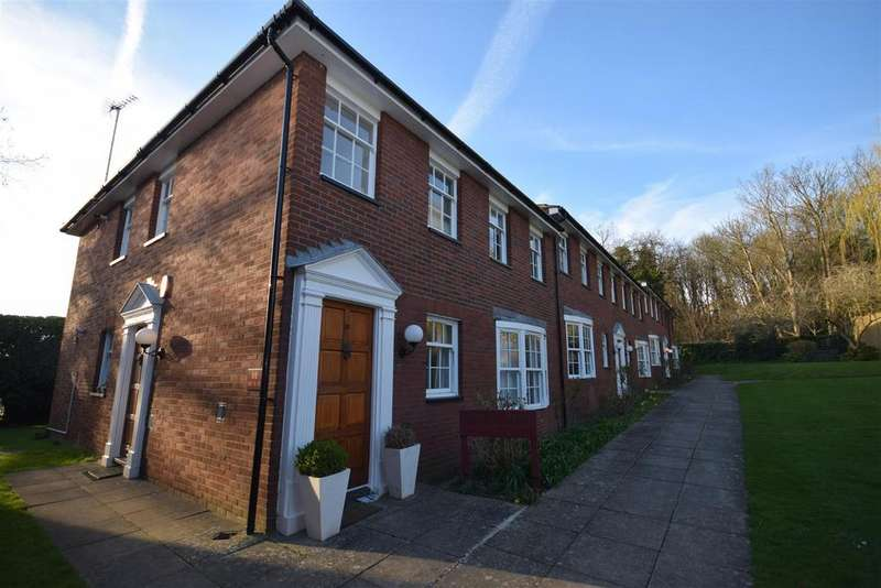 2 Bedrooms Flat for sale in Cottenham Park Road, West Wimbledon