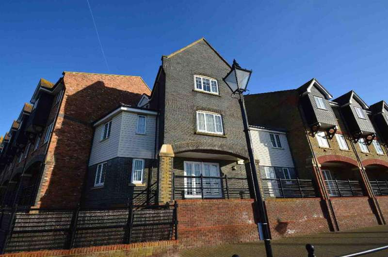 5 Bedrooms Town House for sale in Silver Strand West, Sovereign Harbour North, EASTBOURNE