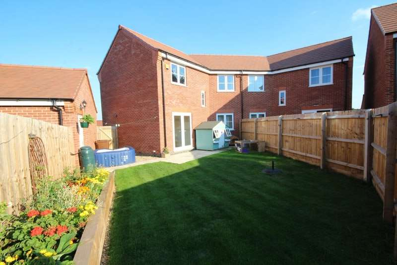 3 Bedrooms Semi Detached House for sale in Knox Road, Loughborough, Leicestershire, LE11