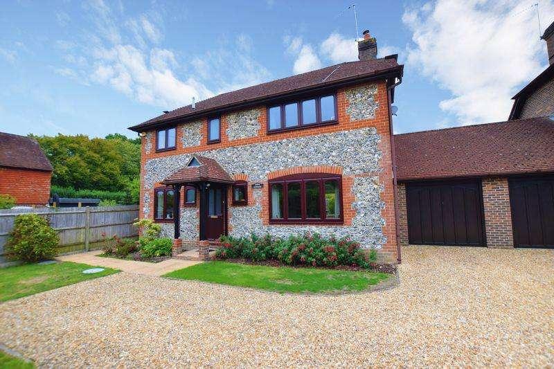 4 Bedrooms Detached House for sale in Heathfield Road, Halland, BN8