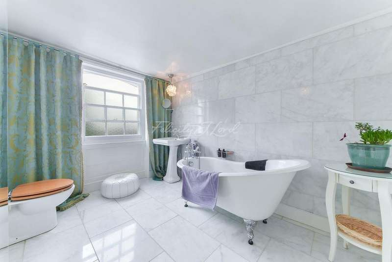 4 Bedrooms Terraced House for sale in Mare Street, Hackney, E8