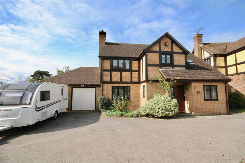 4 Bedrooms Detached House for sale in Arran Close, Cosham