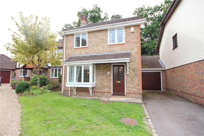 3 Bedrooms Link Detached House for sale in Moorlands Close, Fleet, GU51