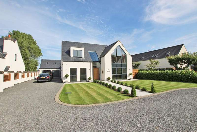 4 Bedrooms Detached House for sale in HAWTHORNE PADDOCK, WALTHAM ROAD