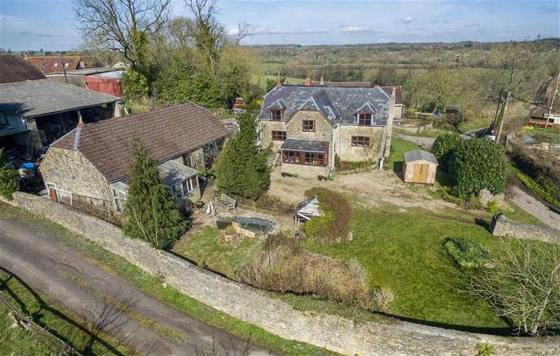 3 Bedrooms Detached House for sale in Riding Gate, Wincanton, Somerset, BA9