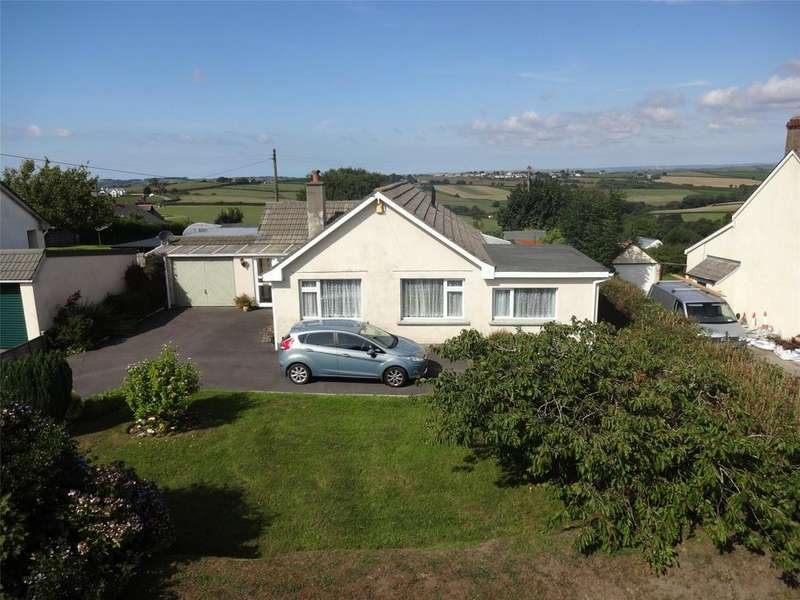 4 Bedrooms Detached Bungalow for sale in Church Lane, Frithelstockstone