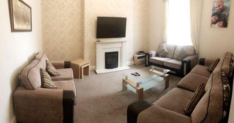 3 Bedrooms Terraced House for sale in East Street, Rochdale, Lancashire, OL16 2EG